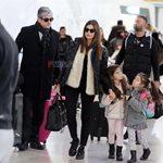 Paparazzi! Σταματίνα Τσιμτσιλή – Θέμης Σοφός: Στο αεροδρόμιο με τις κόρες τους
