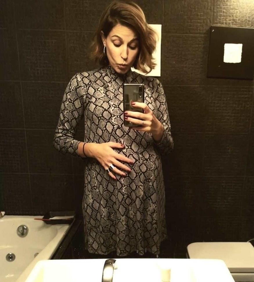 Κατερίνα Παπουτσάκη: Δημοσίευσε την πιο τρυφερή φωτογραφία από την πρώτη της εγκυμοσύνη
