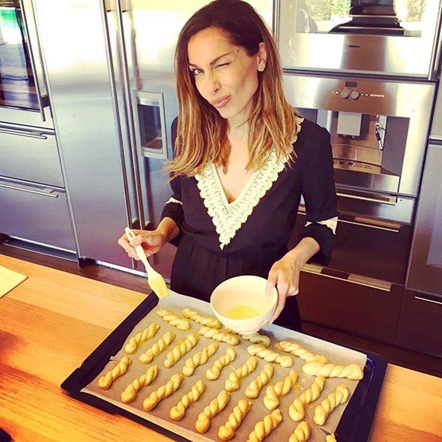 Δέσποινα Βανδή: Δες τα Πασχαλινά κουλούρια που έφτιαξε και μάθε τη μυστική συνταγή της!