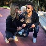 Γιάννης Βαρδής - Νατάσα Σκαφιδά: Η κόρη τους έκανε τα πρώτα της βήματα και πόζαρε με τους γονείς της!