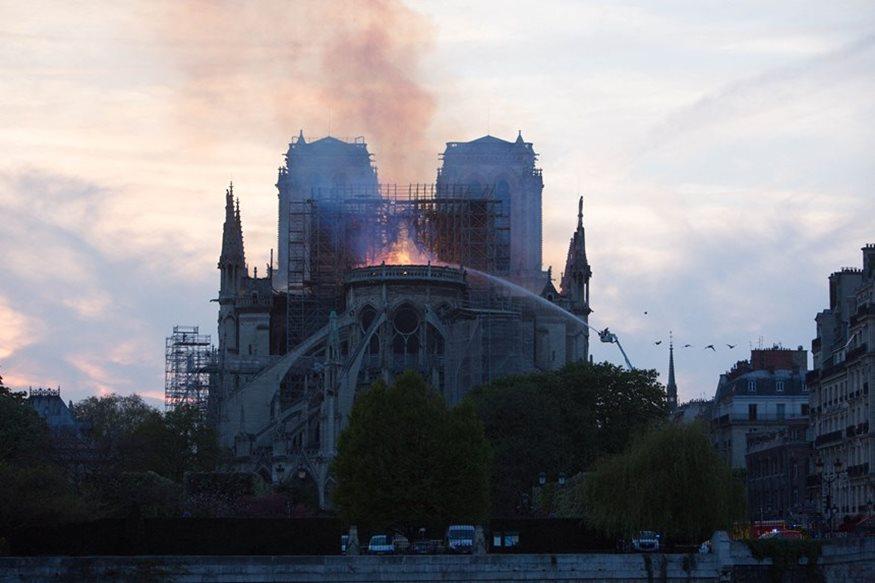 Τραγική ειρωνεία: Ο Βίκτωρ Ουγκώ είχε προβλέψει την μεγάλη φωτιά στην Παναγία των Παρισίων