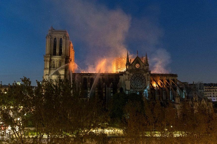 Παναγία των Παρισίων: Ακόμη ένας ναός τυλίχθηκε στις φλόγες πριν από ένα μήνα