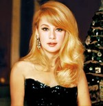 Αλίκη Βουγιουκλάκη: Δείτε την να ποζάρει με μελαχρινά μαλλιά σε ηλικία 20 ετών