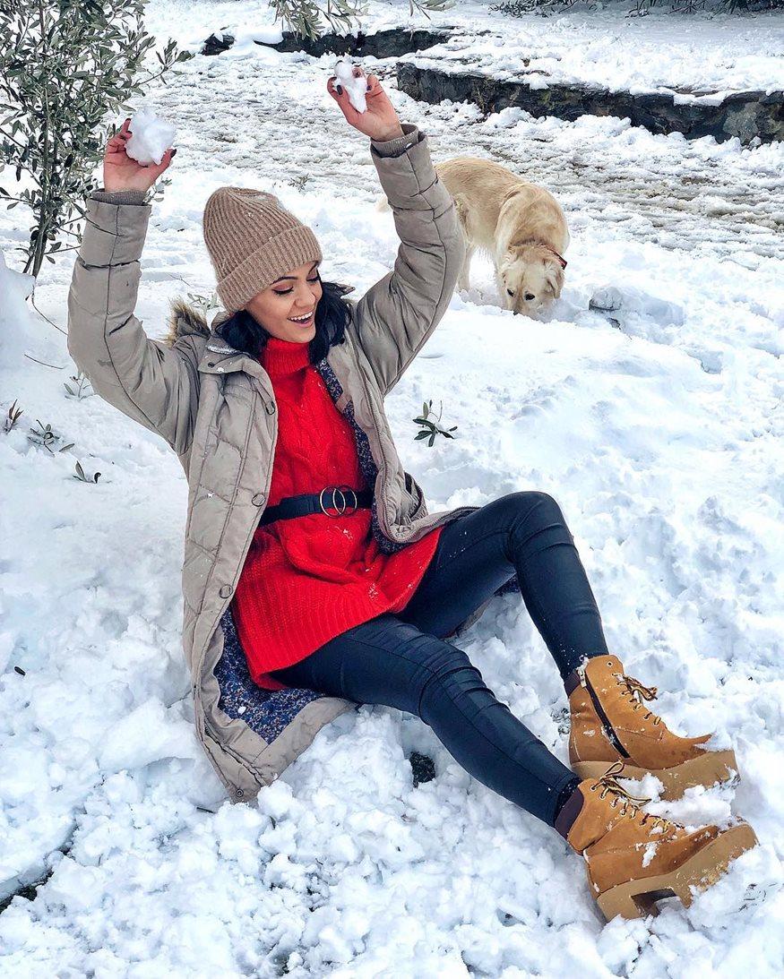 Άννα Αμανατίδου: Ποζάρει από το χιονισμένο τοπίο μαζί με τον σύντροφό της