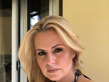 Η δημοσιογράφος Μαρία Αραμπατζή είναι έγκυος στο πρώτο της παιδί