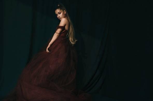 H Ariana Grande είναι η Γυναίκα της Χρονιάς για το Billboard