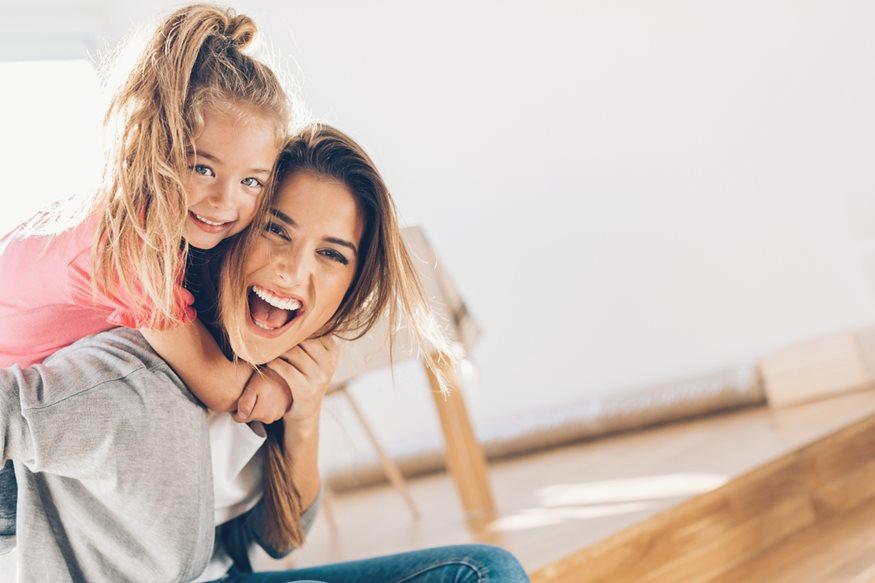 Έρευνα: Γιατί οι μητέρες που γκρινιάζουν, μεγαλώνουν επιτυχημένες κόρες;