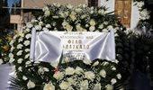 Το τελευταίο αντίο στον Σαράντο Καργάκο: Δείτε φωτογραφίες