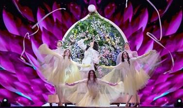 Eurovision 2019: Εντυπωσιακή η εμφάνιση της Κατερίνας Ντούσκα στον Τελικό