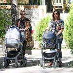 Κατερίνα Παπουτσάκη-Τζένη Θεωνά: Βόλτα με τα νεογέννητα μωρά τους