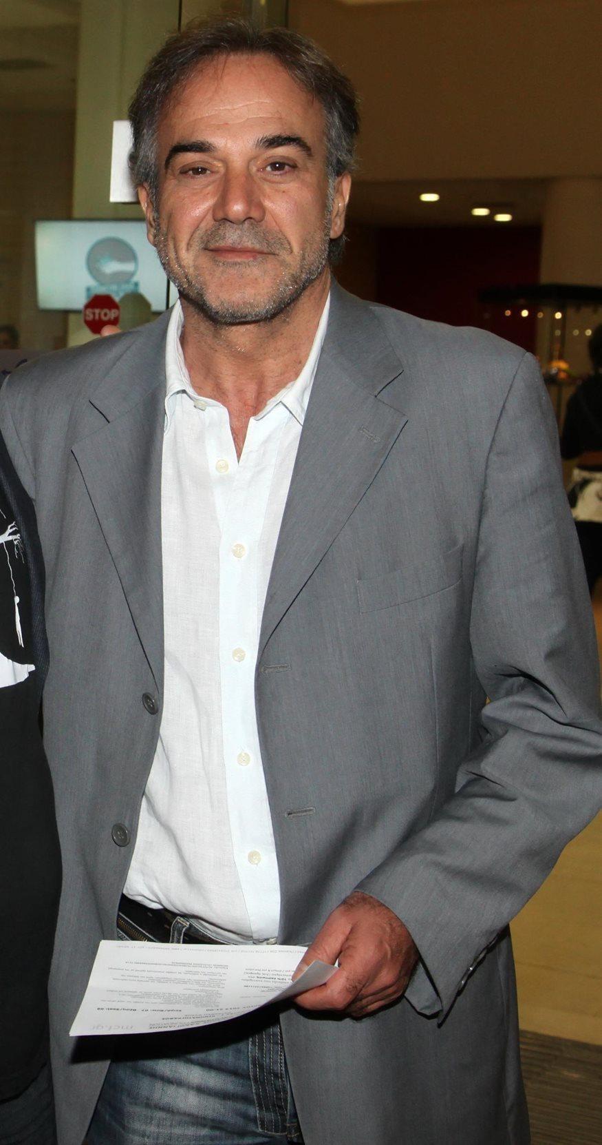 Παύλος Ευαγγελόπουλος: Στα 57 του με κοιλιακούς… φέτες!