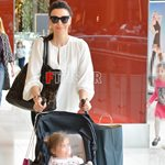 Paparazzi! Η βόλτα της Σίσσυς Φειδά με τη δύο ετών κορούλα της, Διώνη!