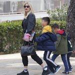 Φαίη Σκορδά: Δημοσίευσε την πιο τρυφερή φωτογραφία με τους γιους της