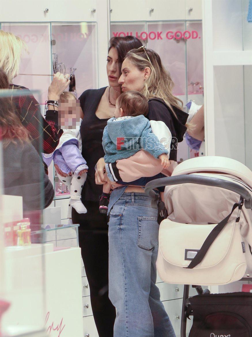Ελεονώρα Μελέτη – Φλορίντα Πετρουτσέλι: Δείτε τη φωτογραφία με τις κόρες τους που θα «λιώσετε»