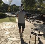 Βασίλης Λιάτσος: Μας δείχνει το εντυπωσιακό σαλόνι του σπιτιού του αγκαλιά με τον οχτώ μηνών γιο του