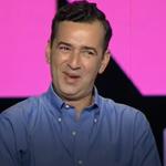 GNTM: Η απίστευτη ατάκα του Άγγελου Μπράτη σε διαγωνιζόμενη που του είπε πως δεν ξέρει να περπατάει με τακούνια