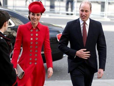 """Πρίγκιπας Ουίλιαμ-Κέιτ Μίντλετον: Βίντεο σοκ από την πτήση """"θρίλερ"""" στο Πακιστάν"""