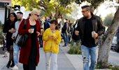 Μαρία Κορινθίου και Γιάννης Αϊβάζης: Πρωινή βόλτα με την κόρη τους, Ισμήνη
