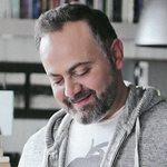 Μιχάλης Κεφαλογιάννης: Μας ξεναγεί στο άρτιο αισθητικής διαμέρισμα του