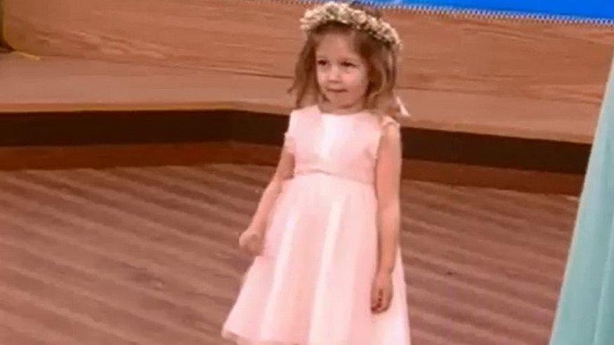 Δείτε την συλλογή παιδικών και βαπτιστικών ρούχων που σχεδιάζει η Σίσσυ  Χρηστίδου  40c5707c422