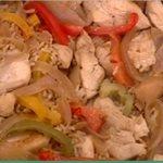 Κοτόπουλο με κρασί, ρύζι και πλούσια κρέμα από την Αργυρώ
