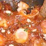 Μαμαδίστικα αυγά με πιπεριές και ντομάτα από την Αργυρώ Μπαρμπαρίγου