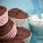 Σοκολατένια muffins με κολοκυθάκι και καρότο