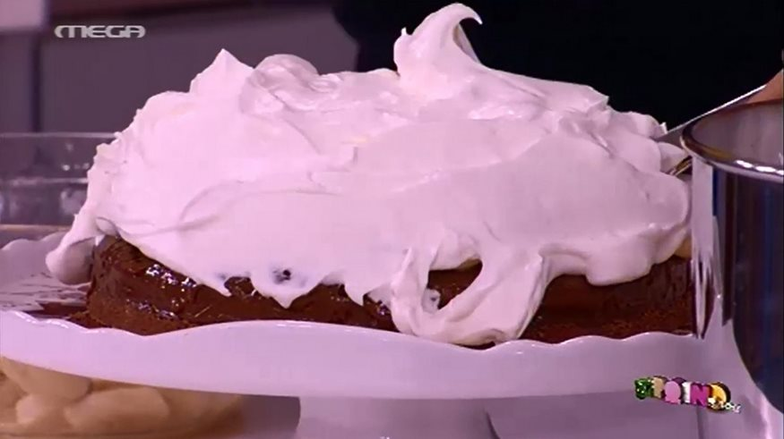 Μπανόφι με σοκολάτα από τον Άκη Πετρετζίκη (video)
