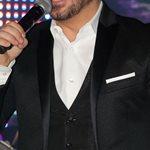 O πασίγνωστος Έλληνας τραγουδιστής θα γίνει μπαμπάς σε ένα μήνα και το μάθαμε on air!