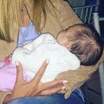 Η ξανθιά Ελληνίδα παρουσιάστρια ποζάρει με το νεογέννητο!