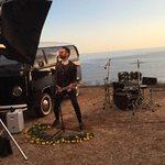 Ηλίας Βρεττός: Στα παρασκήνια του video clip του για το Όλα τα ξέρω