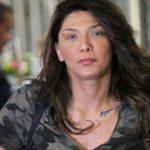 Αγγελική Ηλιάδη: Στο αεροδρόμιο χωρίς ίχνος μακιγιάζ