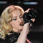 Μadonna: Μεθυσμένη on stage! Το απίστευτο video