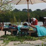 Nomads Μαδαγασκάρη: Αποκλειστικές εικόνες από το έπαθλο-μασάζ των παικτών!