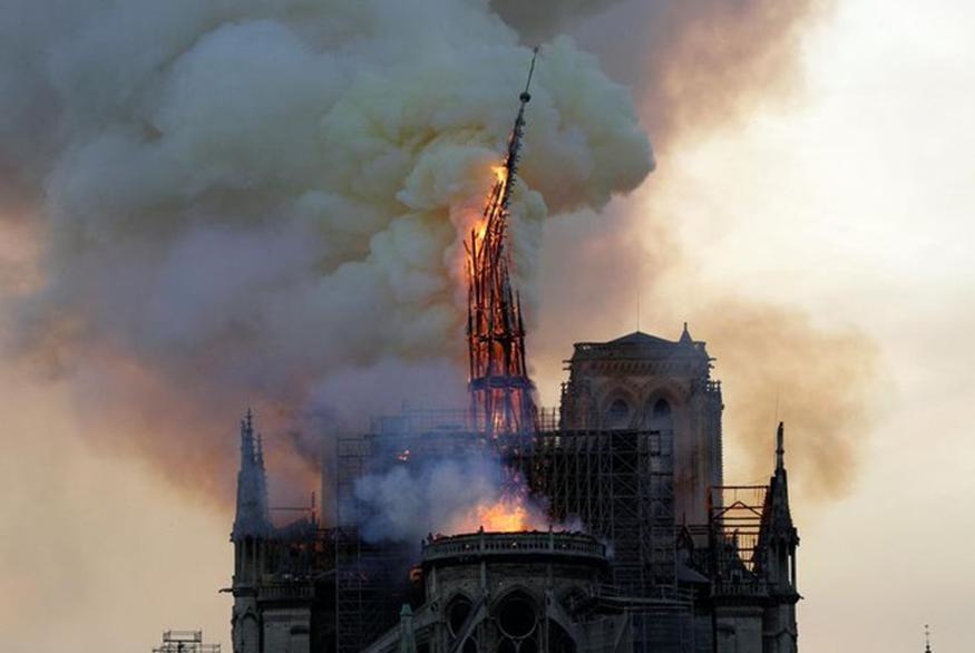 Παναγία των Παρισίων: Οι πρώτες αναφορές για τα αίτια της πυρκαγιάς στον Καθεδρικό Ναό