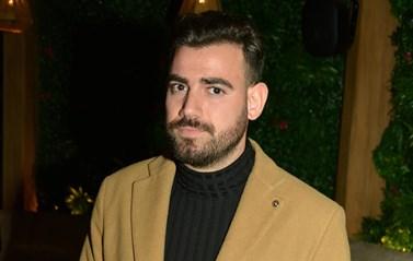 Νίκος Πολυδερόπουλος: Εργάστηκα στην οικοδομή ως σιδεράς...
