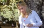 Paparazzi: Η Σία Κοσιώνη σε πρωινή έξοδο με τον ενός έτους γιο της