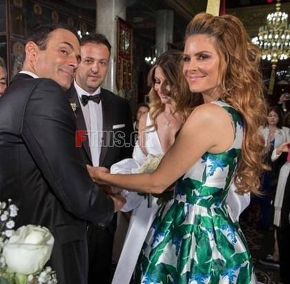 <span class=exclusivetitle2>Λαμπερός γάμος στην Κρήτη με κουμπάρα τη Μαρία Μενούνος</span>