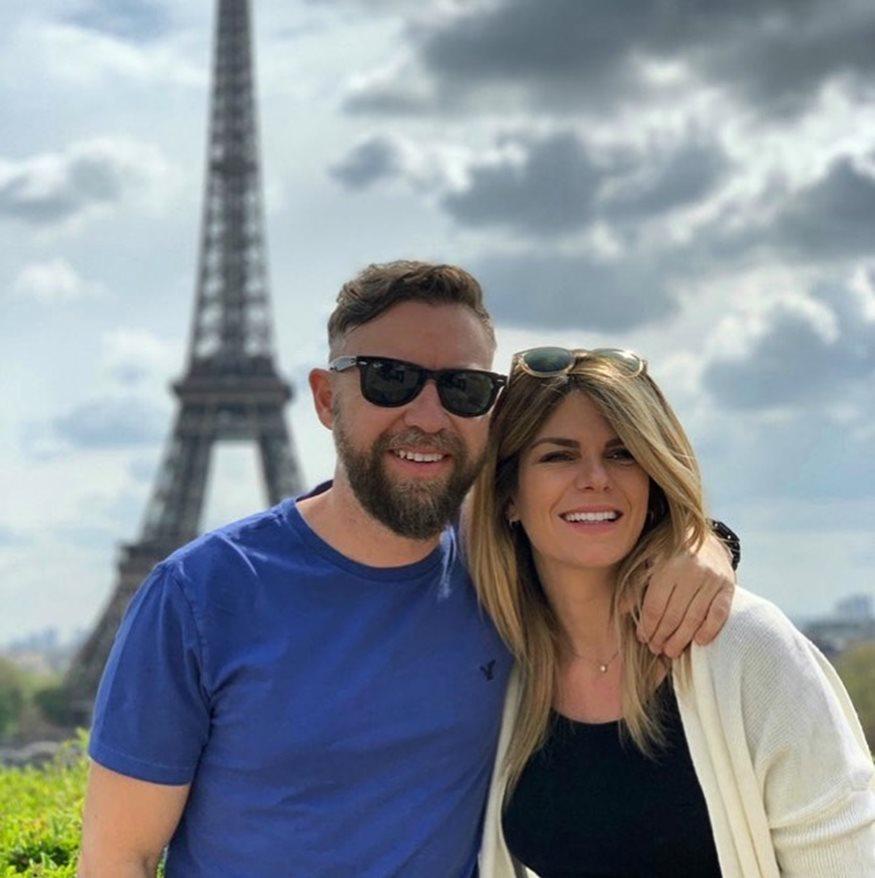 Γιάννης Βαρδής – Νατάσα Σκαφιδά: Ταξίδι στο Παρίσι λίγο πριν γίνουν ξανά γονείς