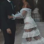 Πασίγνωστη τραγουδίστρια παντρεύτηκε και αυτές είναι οι πρώτες φωτογραφίες